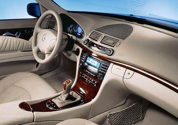 Ciało Mercedes 211