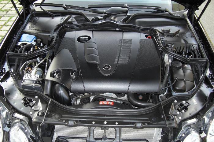 silnik mercedes 211