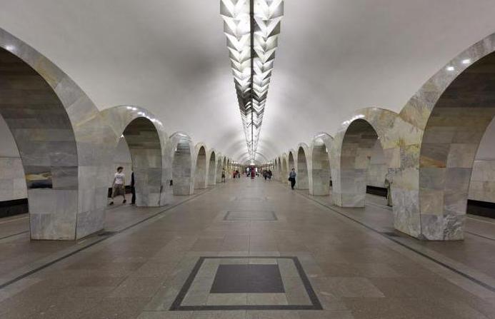 Московското метро Кузнецки мост