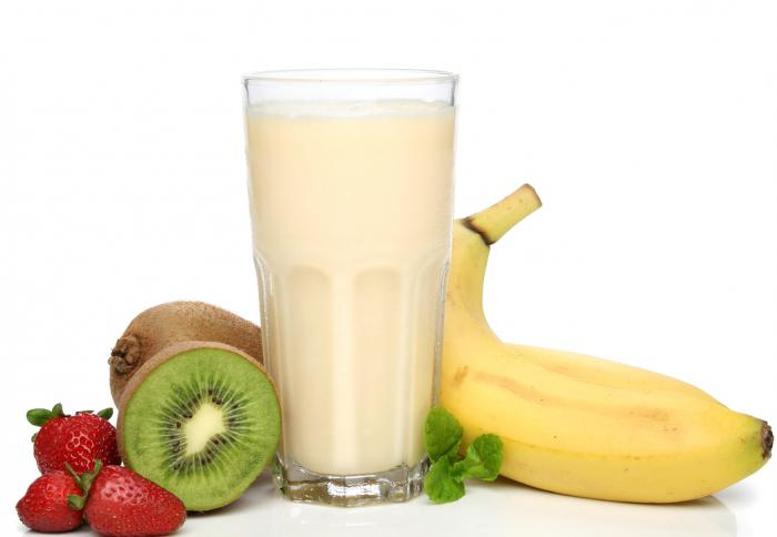 cocktail di frutta al latte