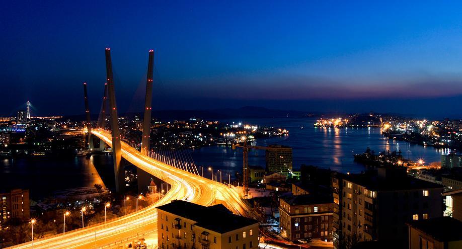 Град Владивосток ноћу