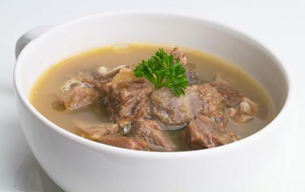 Muttonova juha v počasnem štedilniku