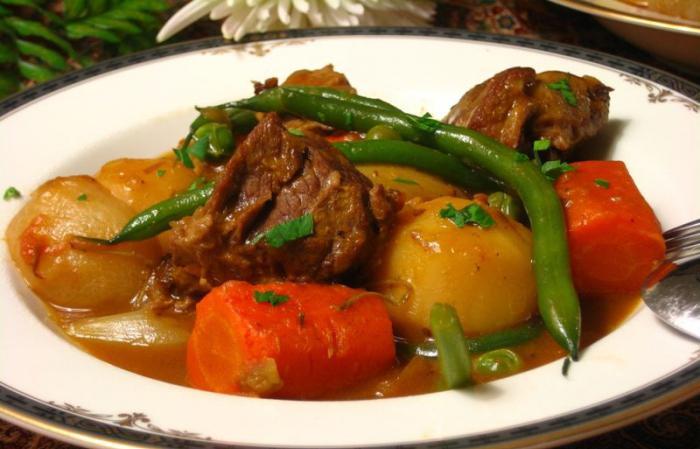 Gulasz jagnięcy przepis z warzywami