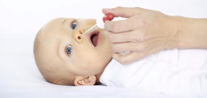 soluzione di gocce protargol nel naso per i bambini