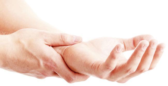 руке изазивају укоченост и третман
