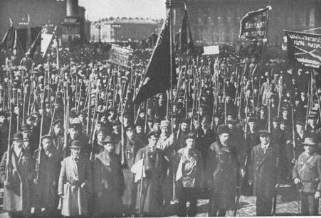 La Rivoluzione d'Ottobre causa la vittoria dei bolscevichi