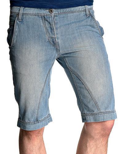 cosa indossare calzoncini di jeans