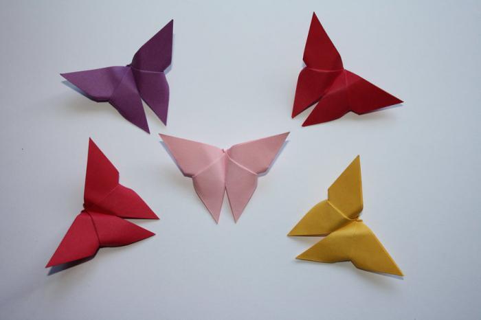 farfalla di origami di carta