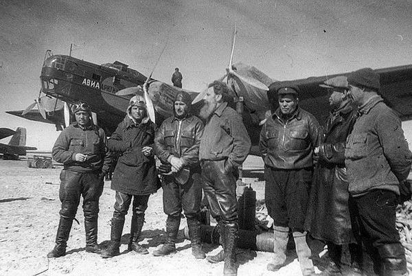 Otto Yulievich Schmidt sul lastrone di ghiaccio
