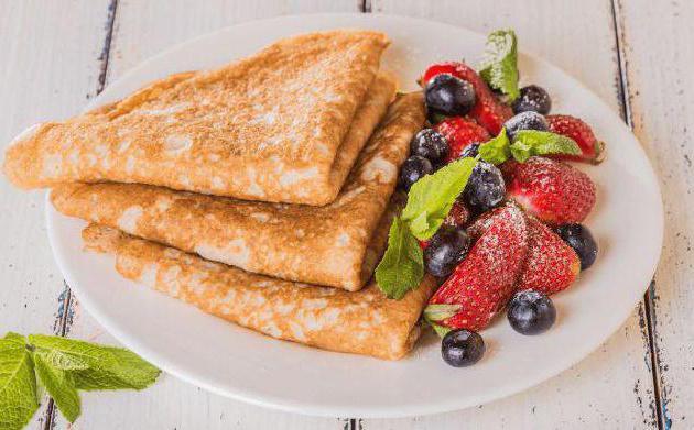 pancakes in latte acido con acqua bollente