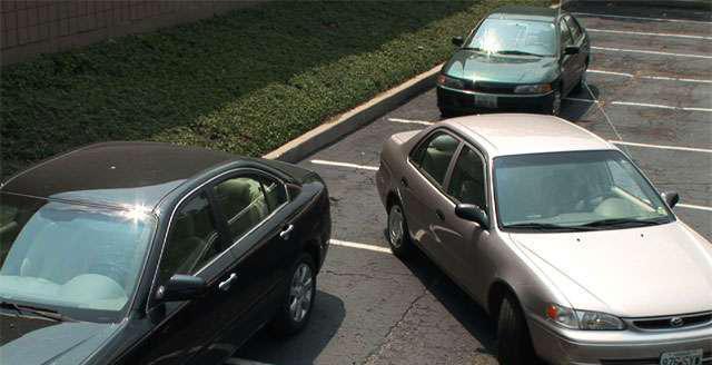 parkiranje automobila na poleđini