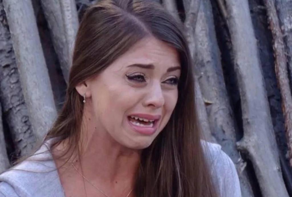 Olya Rapunzel pláče