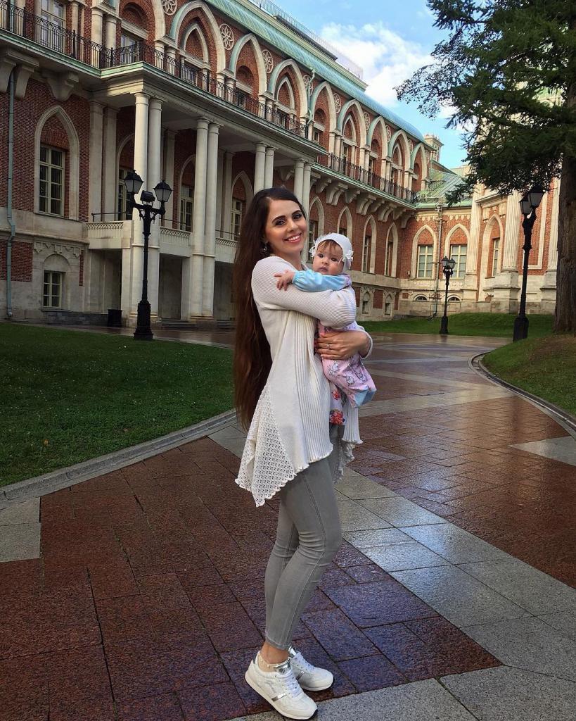 Olya Rapunzel a její dcera
