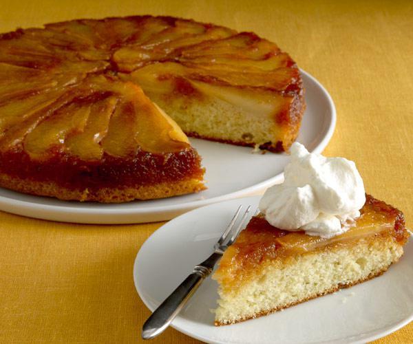 kruška kolač u spor kuhalo