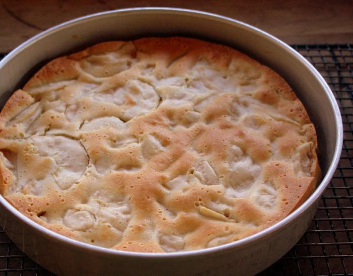 kruška i pita od jabuka