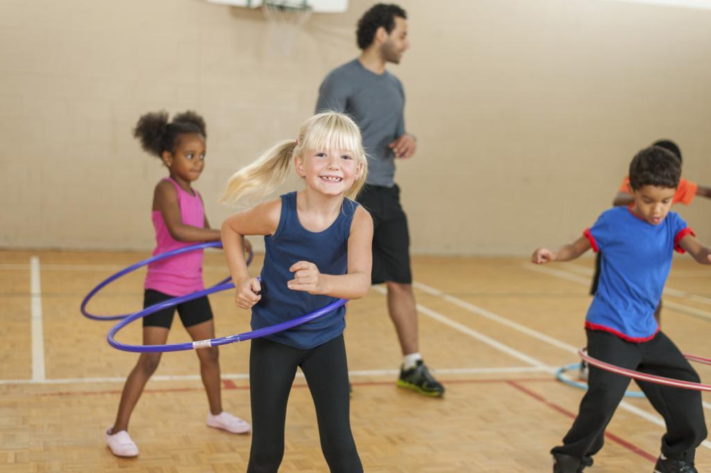 lezione di educazione fisica nel 2 gruppo più giovane