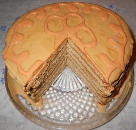 торта с кондензирано мляко и заквасена сметана