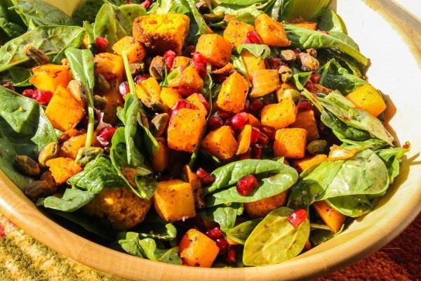 Salate s narom i krekerima