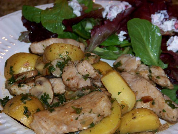 dušené vepřové maso s bramborami