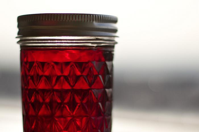 recept na domácí třešňový likér