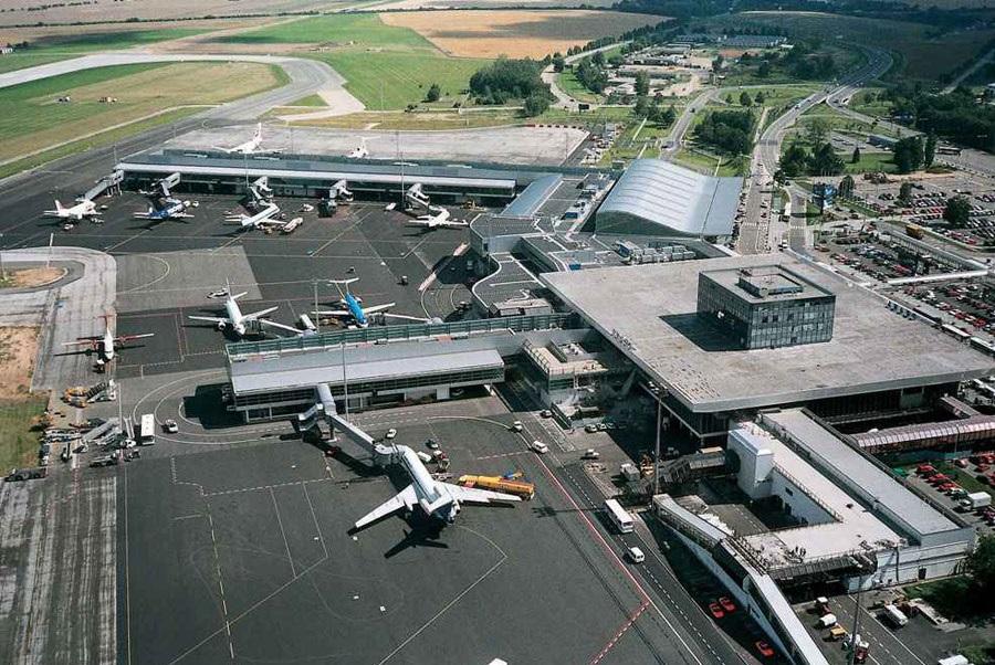 Пътувания на летището в Прага