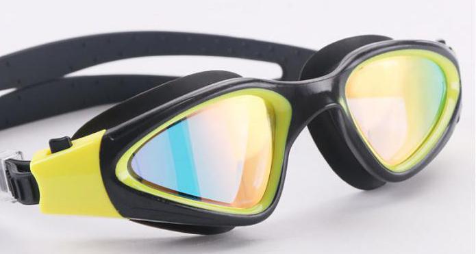 occhiali da nuoto professionali