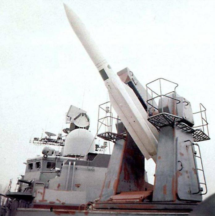 военен кораб