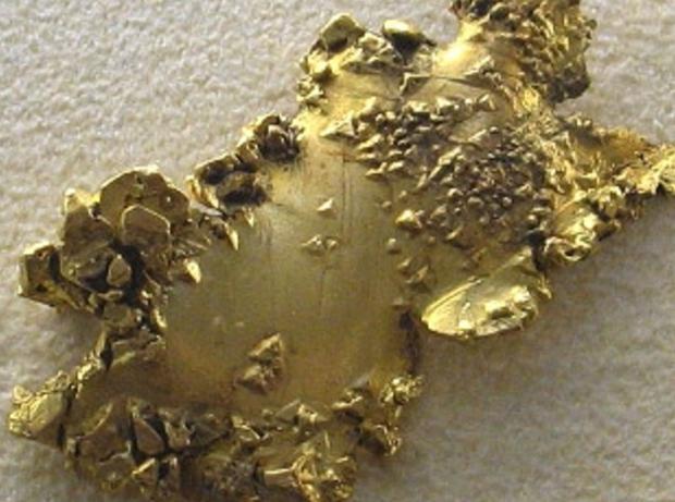 Główną własnością złota