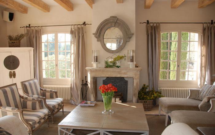 Френски Прованс в дневната на селска къща