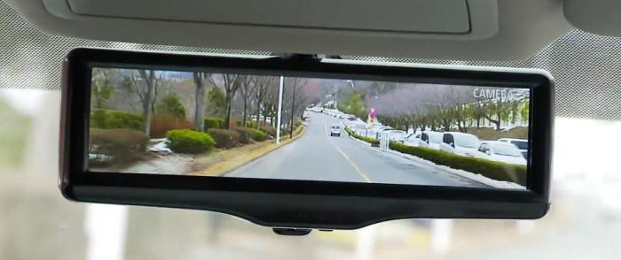 specchietto retrovisore con monitor
