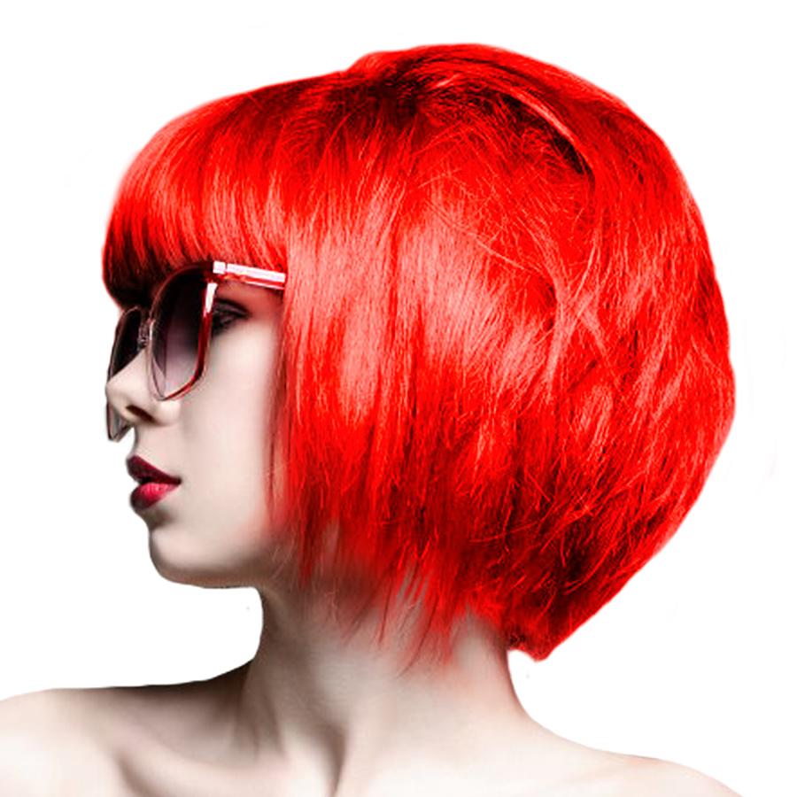 Dipingi con una sfumatura di capelli rossi