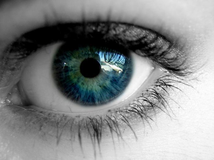 Sharp рез в очите