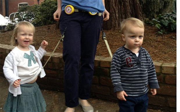 come mettere le redini sul bambino