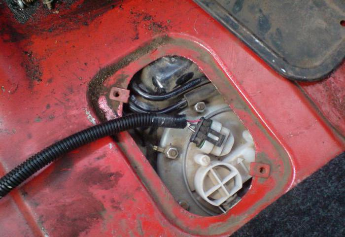 Замена пумпе за гориво Форд