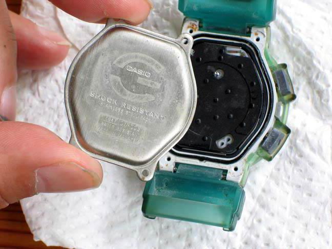 Sostituzione della batteria dell'orologio Casio