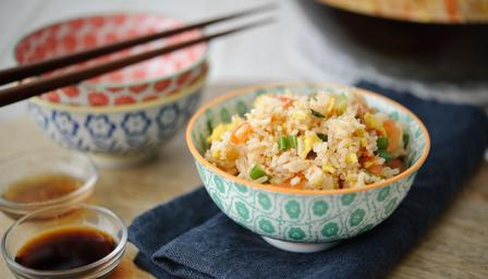 кинески пиринач са јајетом