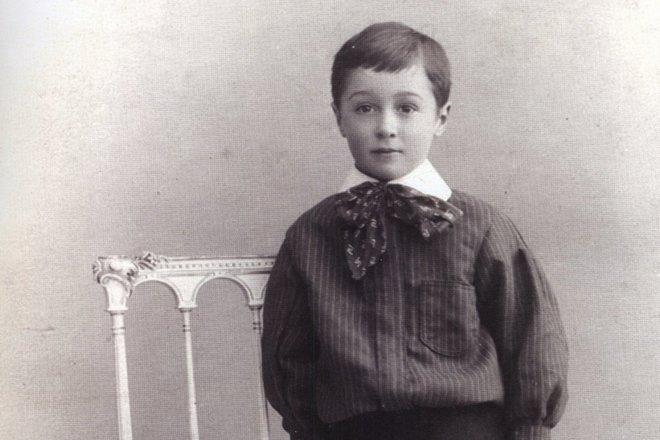 Александър Рей в детска възраст