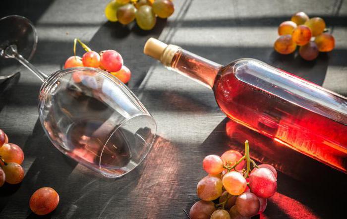 poluslatko ružičasto vino