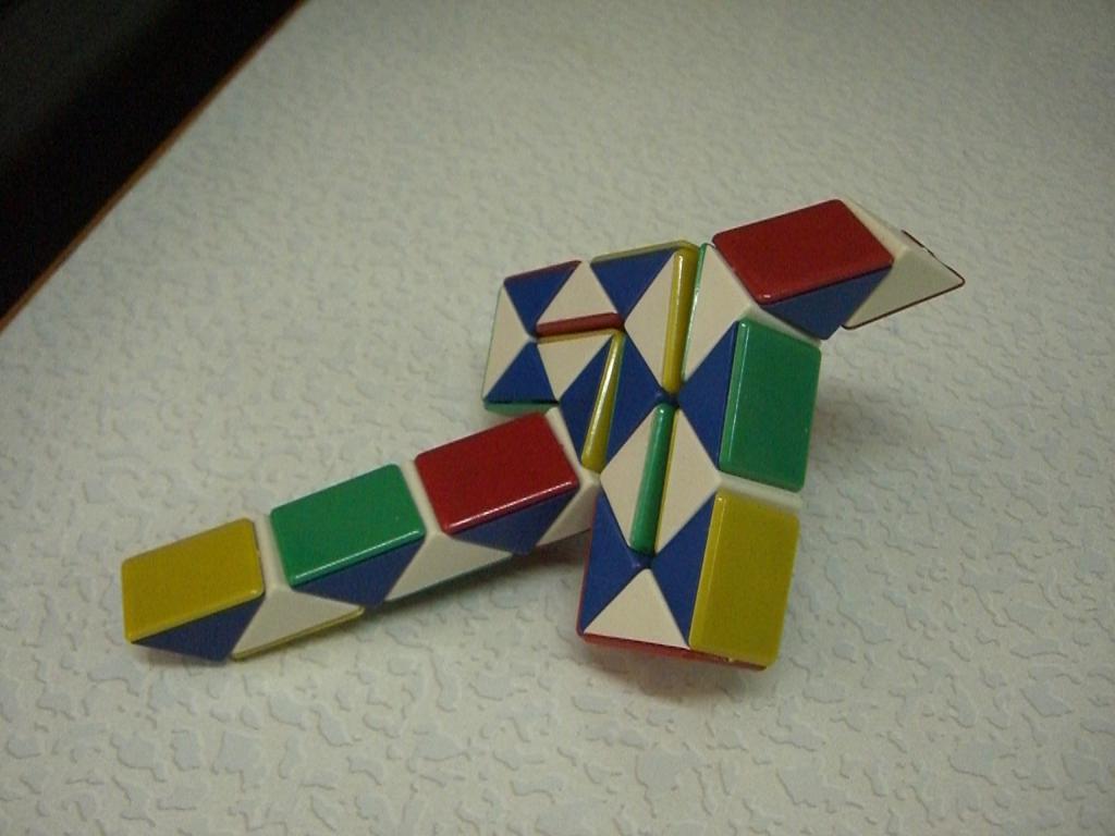 serpente dal puzzle dei prismi
