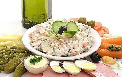 Руска салата с пиле