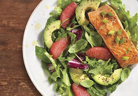 како се кува салата са црвеном рибом и авокадом