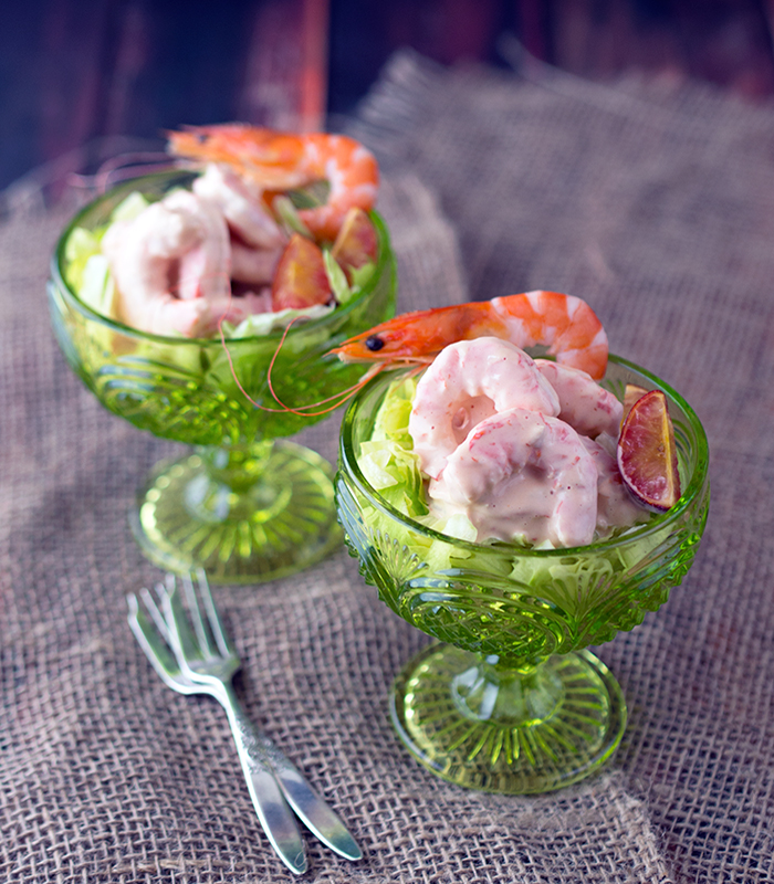 salata s štapićima i račićima