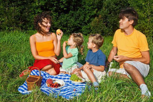 obiteljska fotografska sesija u prirodi