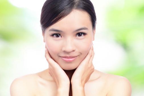 koristi za masažo obraza