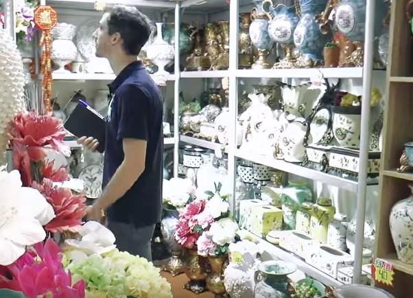 В магазин за сувенири в Гуанджоу