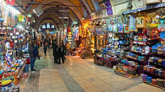 shopping a Kemer in Turchia