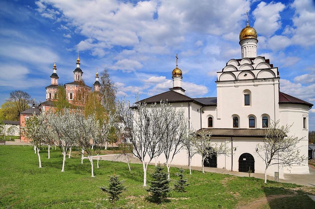 Светият Успенски манастир Свенски