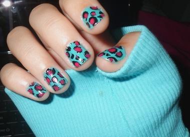 Breve nail art