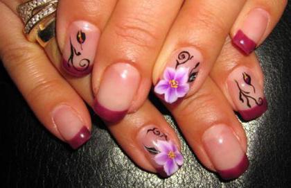 цртежи на белим ноктима
