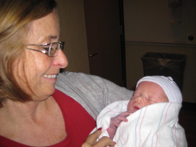честитке на рођењу унука баке